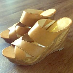 Report wedges size 10 never worn